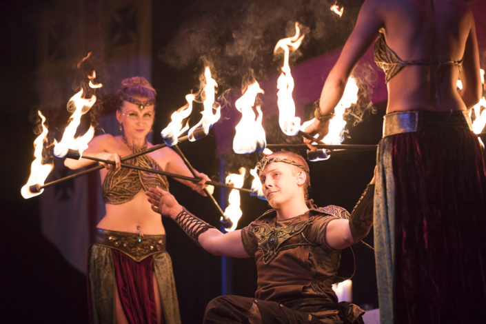 Fire dancers from Splendorem Ignis performing