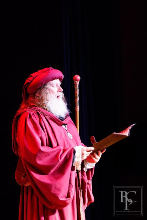 Lord Steward of the Hall Blair Martin reciting prayers